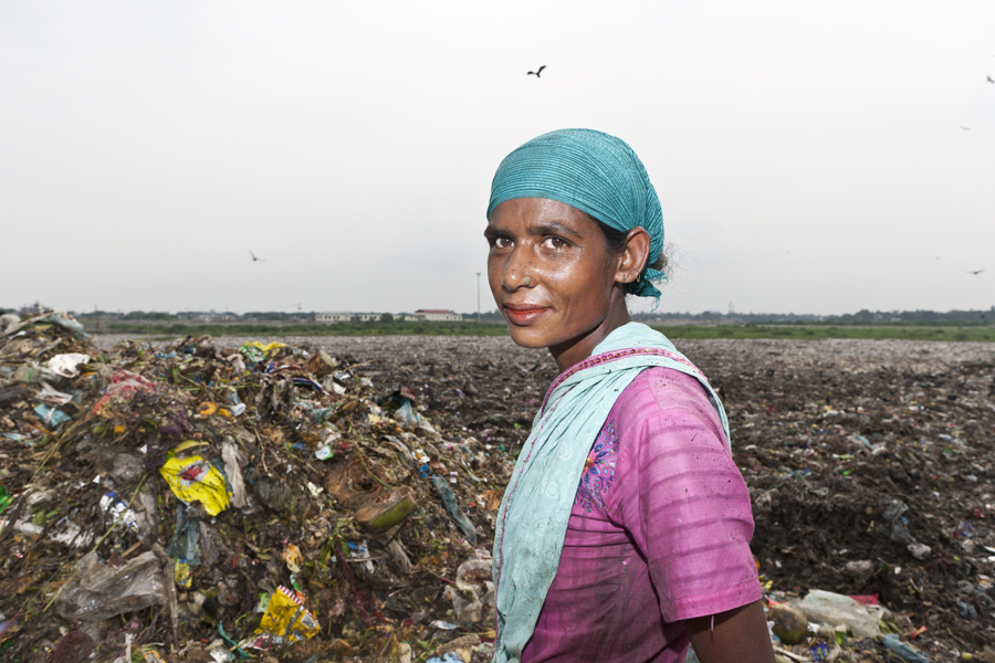 """David Brunetti Photography, Asia, Bangladesh, poverty, landfill"""