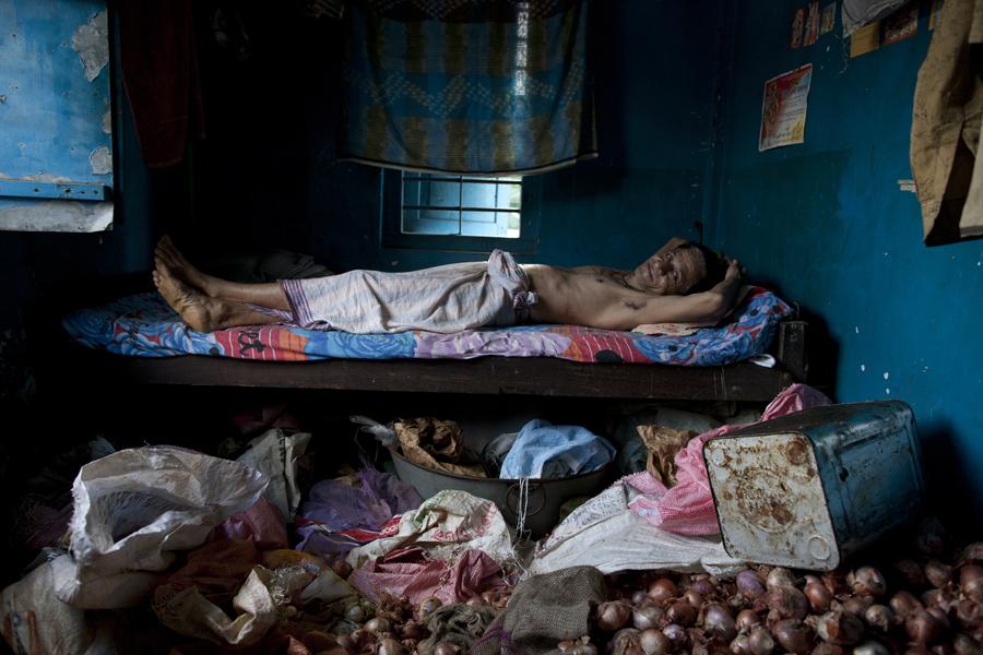 """David Brunetti Photography; Documentary Photography; Photojournalism; portraiture; Reportage; Bangladesh; Dhaka; slums"""